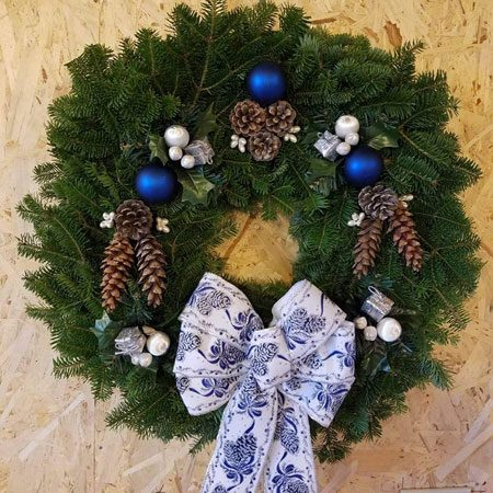 Royal Classic Wreath